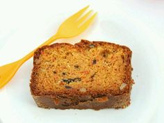 Eggless Whole Wheat Carrot Cake : Easy & Simple whole wheat cake! This carrot cake is soft, super moist and full of flavor! Egg Free Carrot Cake, Whole Wheat Carrot Cake, Eggless Carrot Cake, Best Carrot Cake, Healthy Cake Recipes, Baking Recipes, Dessert Recipes, Bread Recipes, Vegan Recipes