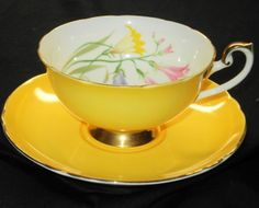 SHELLEY FREESIA LINCOLN ROYAL YELLOW TEA CUP AND SAUCER - I WANT THIS.