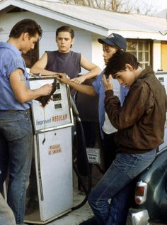 """The Outsiders"", Tom Cruise: Steve Randle, Rob Lowe: Sodapop Curtis, Tom Howell: Ponyboy, Matt Dillon: Dallas Winston"