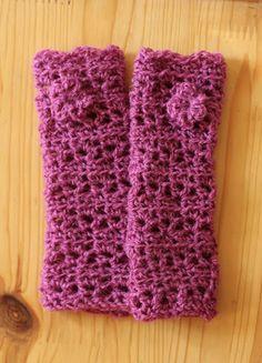 Tri-Lace Fingerless Gloves ~ free pattern