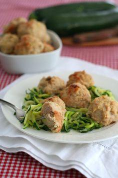 Roasted Garlic Chicken Meatballs - use regular flour  Calories - 206 Fat - 10, Carbs - 5 Protein - 24
