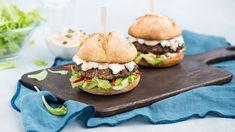 V Kuchyni Lidla nájdete recept na originálny hamburger od Marcela Ihnačáka. Viac sa dozviete na stránke www.kuchynalidla.sk.
