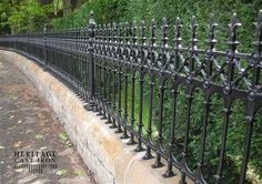 Low masonry wall with ornamental cast iron fencing & privacy hedging. Garden Railings, Gates And Railings, Garden Fencing, Iron Railings, Cast Iron Fence, Cast Iron Gates, Victorian Fencing And Gates, Images Google, Gate Images