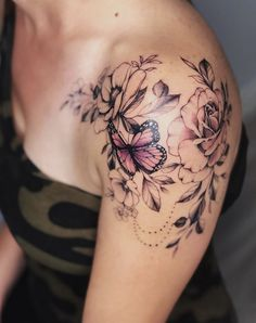 50 gorgeous and exclusive shoulder flower tattoo designs you'll love … - flower tattoos Butterfly Tattoo On Shoulder, Butterfly Tattoos For Women, Shoulder Tattoos For Women, Sleeve Tattoos For Women, Women Sleeve, Back Of Shoulder Tattoo, Floral Shoulder Tattoos, Tattoo Women, Shoulder Sleeve Tattoos