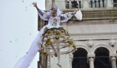 Al carnevale di Venezia l'angelo Carolina Kostner