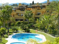 Townhouse sale in Nagüeles, Costa del Sol 325.000 €. Reference: TH1029-OM  For more information: http://www.one-marbella.com/en/listing/spain/costa-del-sol/nagueles/townhouse/24446/