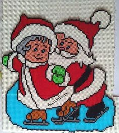 Santa and Mrs Claus skating - Christmas hama perler beads by Deco.Nat (pattern by daisydo) Christmas Perler Beads, Cross Stitch Christmas Ornaments, Xmas Cross Stitch, Beaded Cross Stitch, Christmas Embroidery, Cross Stitch Patterns, Hama Beads Design, Diy Perler Beads, Motifs Perler