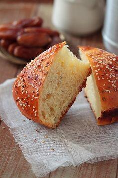 Arabic Sweets, Arabic Food, Algerian Recipes, Ramadan Recipes, Yeast Bread, Coco, Cookie Recipes, Brunch, Food And Drink