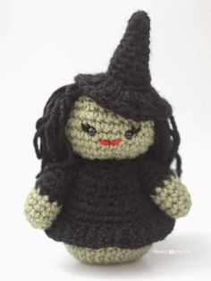 Weeble Wobble Crochet Witch - Repeat Crafter Me