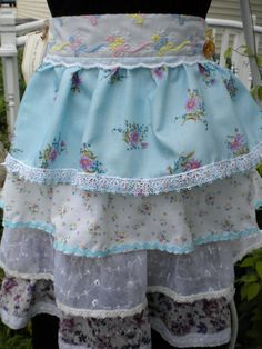 Now this apron is a must have!  I love that the ruffles aren't too.... ruffley.