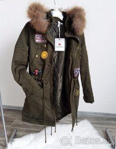 Dámska bunda parka s našívkami a kožušinou - 1