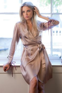 This has to be one of the most gorgeous silk dressing gowns that I've ever seen! Bedtime must have!