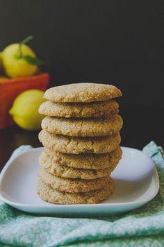 Grain-Free Lemon Vanilla Cookies by @SoLetsHangOut // #cookies #grainfree #paleo #lemon #vanilla #primal #glutenfree #summer