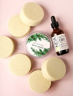 Bramble Berry Creative Director Amanda shares tips for how to add CBD to your next project. Lush Bath Bombs, Bath Bomb Molds, Bath Bomb Recipes, Soap Recipes, Small Glass Containers, Lip Scrub Homemade, Lotion Recipe, Homemade Cosmetics, Diy Beauty