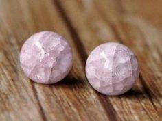 Ohrringe - ROSE zierliche Ohrstecker pastell rosa Kreis rund - ein Designerstück von Schloss-Klunkerstein bei DaWanda