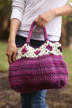 Ravelry: Allons-y Bag pattern by Amanda Saladin