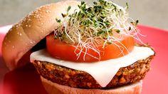 Top 10 des substituts végétariens... cie les burgers au tofu (La Soyarie), la sauce spag (Commensal), le végépâté (Fontaine Santé), les saucisses monstre (Yves Veggie Cuisine), les mélanges de légumineuses (Canton), la terrine de soya (Unisoya), les fabuleux falafels (Veggie Patch), le tofu-dessert (Sunrise), le pepperoni (Yves Cuisine), le seitan oriental (Commensal)