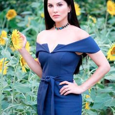 Sunny Leone Images 2020 Latest Hot Photos Of Sunny HD - Vamazing Bollywood Celebrities, Bollywood Fashion, Bollywood Actress, Frock Dress, New Dress, Female Modeling Poses, Sunny Pictures, Girl Photography, Hottest Photos