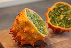 Zimbabwe - Kiwano aka African Cucumber 12 Local Dishes You Can't Miss When You Travel Fruit Facts, Weird Fruit, Pitaya, Zimbabwe Food, Zimbabwe Africa, Cucumber Recipes, Exotic Fruit, Slow Food, Fruit And Veg