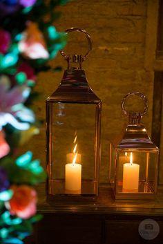Decoração de Mini Wedding Alegre e Colorido #miniwedding #casamentointimista #casamentoemvitoria #minicasamento #noivinhasdeluxo #lanternas