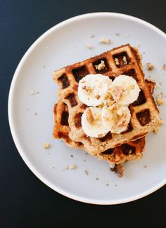 Banana Nut Waffles. #food #yummy For guide + advice on healthy lifestyle, visit www.thatdiary.com