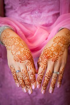 simple #henna design for the hand