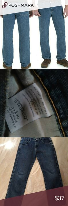 """💚 Wrangler size 31 x 30 men's jeans Rugged Wear 💚 Wrangler Rugged Wear size 31x30 men's jeans Wrangler Rugged Wear Advanced Comfort Regular Straight Jean - If youre looking for the very best in Straight Fit Jeans, check out these Wrangler Rugged Wear Advanced Comfort Regular Straight Jean! Designed with a U-Fit Crotch for comfort and tough enough to get the job done.This Wrangler Rugged Wear Jean features extra deep front pockets, watch pocket and """"W'' Style Stitched Back Pockets for all…"""