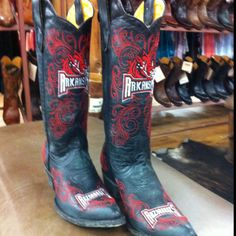 Wooo pig soooie  I REALLY REALLY NEED THESE BOOTS!!!