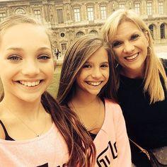 Maddie Ziegler, Mackenzie Ziegler and Melissa Ziegler Europe Tour #Paris