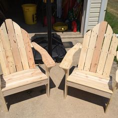 Using reclaimed lumber for woodworking projects is not only good for the environment, it's also good for the budget. Pallets, barn wood and other discarded materials can be repurposed to create just about anything.Here are ten projects to get your creative juices flowing. Pallet wood never looked so good as when itwasmade into Adirondack Chairs … Continue reading 10 Things to Make with Reclaimed Wood