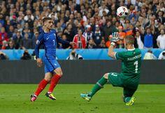 La quatrième but français de Griezmann contre l'Islande.