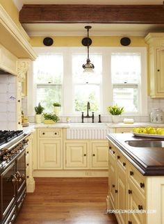 Yellow Kitchen Cabinets, Kitchen Cabinet Colors, Painting Kitchen Cabinets, Kitchen Colors, Kitchen Yellow, White Cabinets, Diy Cabinets, Cream Cabinets, Farmhouse Cabinets
