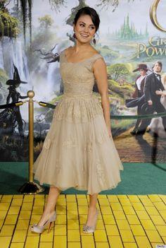 Mila Kunis #celebrity #style