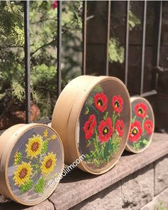 Embroidery Hoop Crafts, Crewel Embroidery, Cross Stitch Embroidery, Hobbies And Crafts, Diy And Crafts, Arts And Crafts, Cross Stitch Designs, Cross Stitch Patterns, Band Kunst