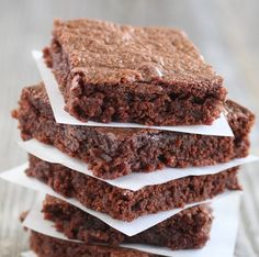 Easy 3 ingredient brownie: - Flour - Nutella - 2 eggs  And voila!