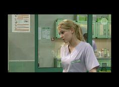 Monika w roli pielęgniarki