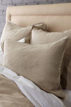 Vintage Chic Linen Bedding, looks like burlap, love this!