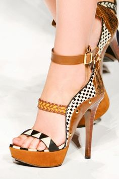 elena miro Spring 2013 Ready-to-Wear Detail