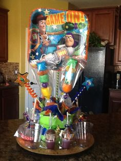 Toy story centerpiece Toy Story Theme, Toy Story Party, Toy Story Centerpieces, Cumple Toy Story, Party Themes, Party Ideas, Candy Table, Buzz Lightyear, Party Planning