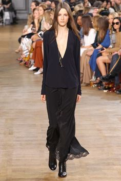 Chloé - Fall 2015 Ready-to-Wear - Look 16 of 45?url=http://www.style.com/slideshows/fashion-shows/fall-2015-ready-to-wear/chloe/collection/16