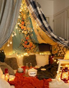 I WANT TO DO THIS SOOOO BAD!!!!!!!!!!!!!!!!!! 6 Steps To Having The Blanket Fort Movie Night Of Your Dreams