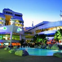 If you are planning to go anywhere out of your city and want to stay there for some time then first thing which you do is Book Budget Luxury 5 star hotel. http://ticketalltime.com/