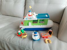 Retrouvez cet article dans ma boutique Etsy https://www.etsy.com/ca-fr/listing/510372150/vintage-fisher-price-boat-1970-with