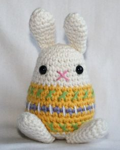 Little Easter Bunny crochet pattern Amigurumi by CAROcreated