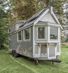 by Summit Tiny Homes in British Columbia The Elegant &; by Summit Tiny Homes in British Columbia inesjaeschke inesjaeschke tiny The &; Tiny House on Wheels exterior […] Homes On Wheels exterior Tyni House, Tiny House Cabin, Tiny House Living, Tiny House Plans, Tiny House On Wheels, Tiny House Exterior Wheels, Tiny House Trailer Plans, Trailer Build, Small Living