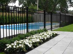 Great Tips For Landscaping Around A Hot Tub – Pool Landscape Ideas Backyard Plan, Backyard Pool Designs, Swimming Pools Backyard, Pool Decks, Backyard Landscaping, Fence Around Pool, Pool Fence, Pool Gates, Oasis Pool