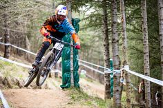 Loic Bruni on his way for another victory. Live from Fort William UCI DH here: http://mtb.pl/zbliza-sie-bitwa-fort-william-6120