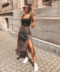 34 Cute Casual Outfits with White Sneakers Looks Chic, Looks Style, Look Fashion, Womens Fashion, Fashion Tips, Fashion Bloggers, 70s Fashion, Fashion Beauty, Classy Fashion