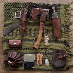 "1,562 Likes, 5 Comments - Greg (@scablands_bushcraft) on Instagram: ""#bushcraft #gear #flatlay #woodsman #outdoorsman #knifecommunity #axejunkies #flatlaystyle…"""