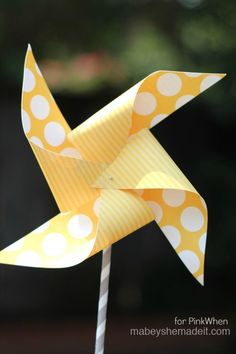 A fun DIY Pinwheel post with free template! -- Carnival